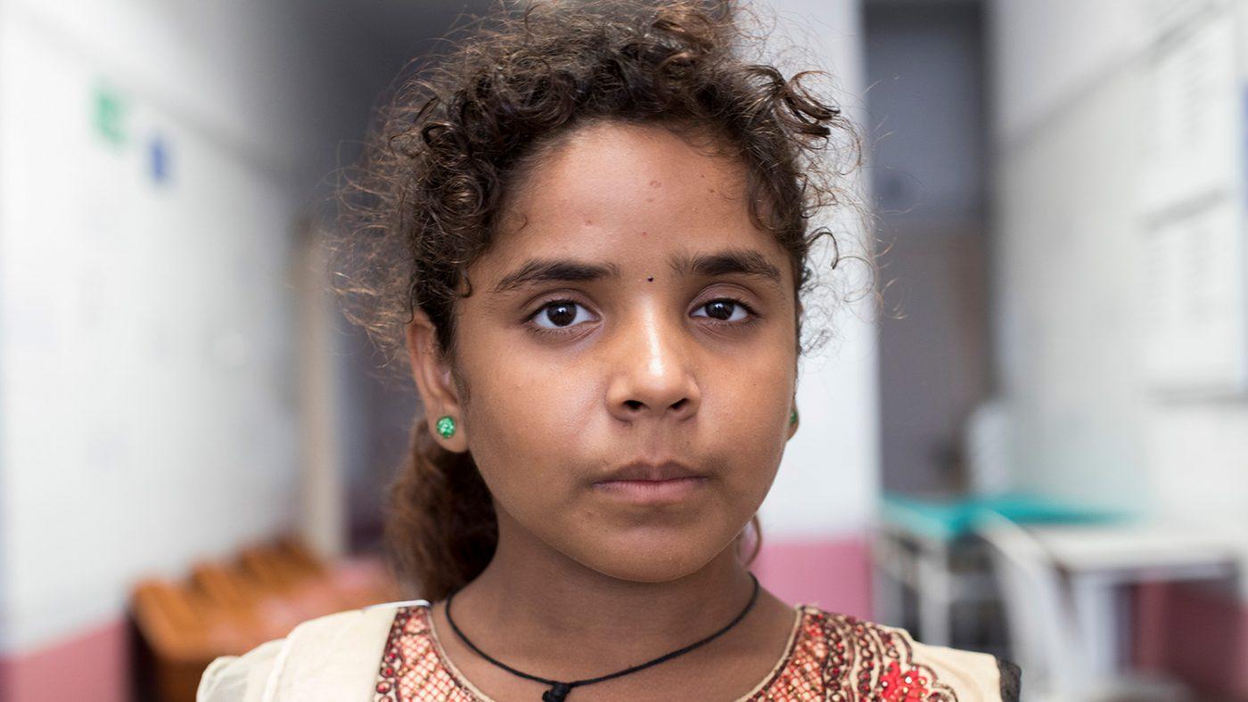 Shrasthri håper øyeoperasjon vil forbedre synet hennes.