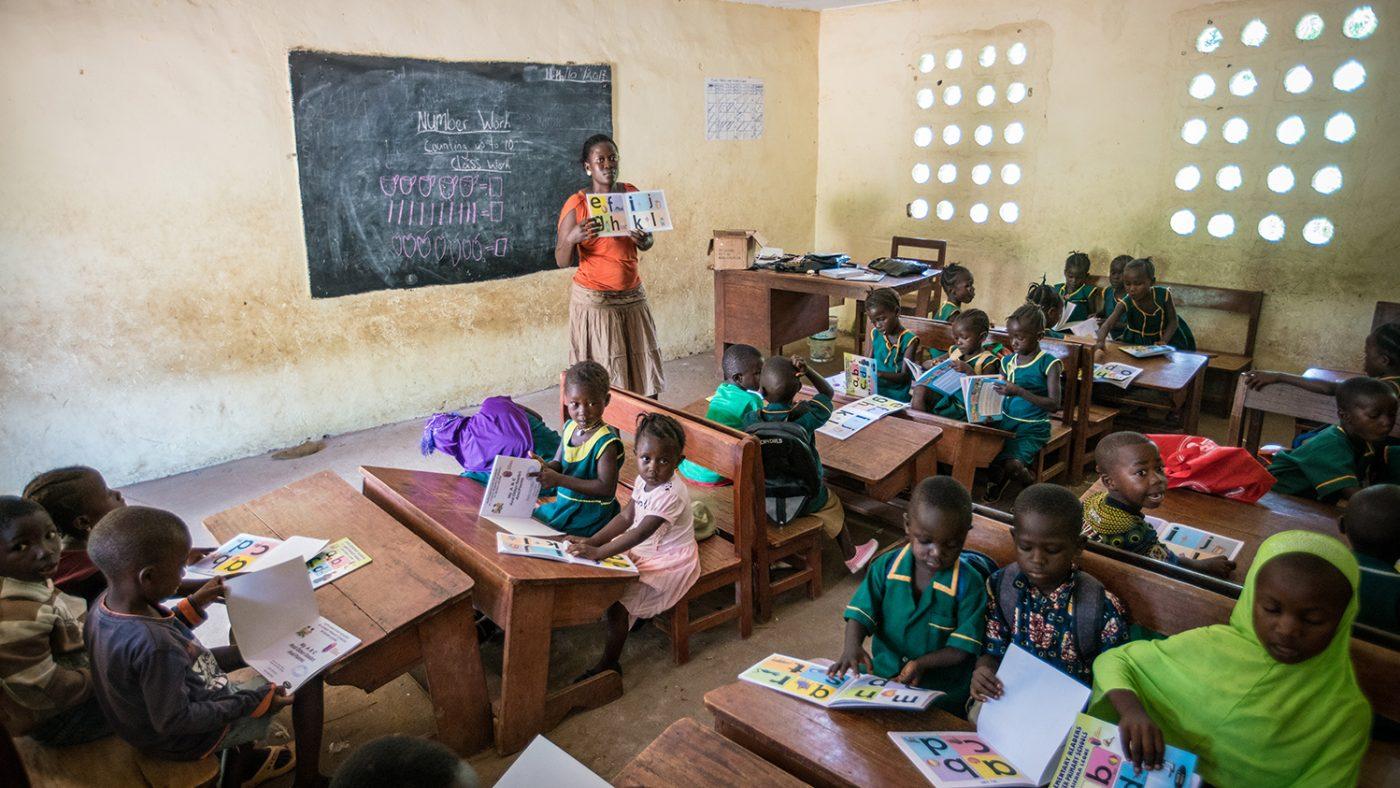 Et klasserom på Gbendembu Primary School.