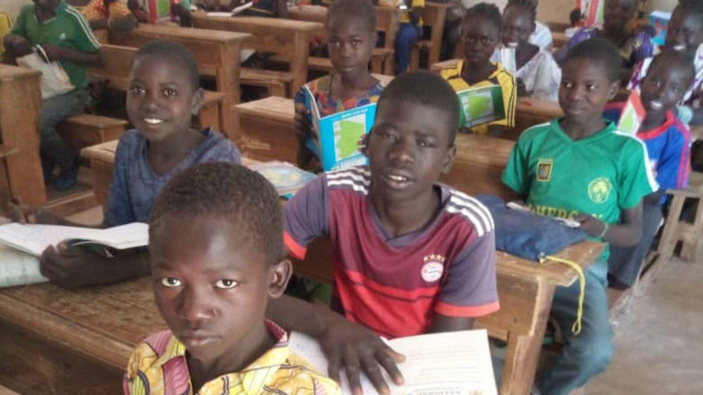 Gamangassou og venner på skolen.